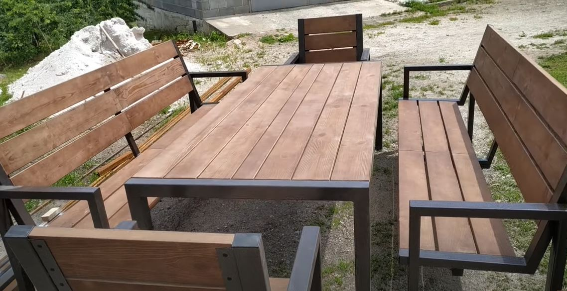 преимущества и недостатки садовой мебели из пластика